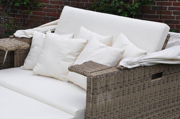 liegeinsel beach lounge cubu cream grey von domus ventures. Black Bedroom Furniture Sets. Home Design Ideas